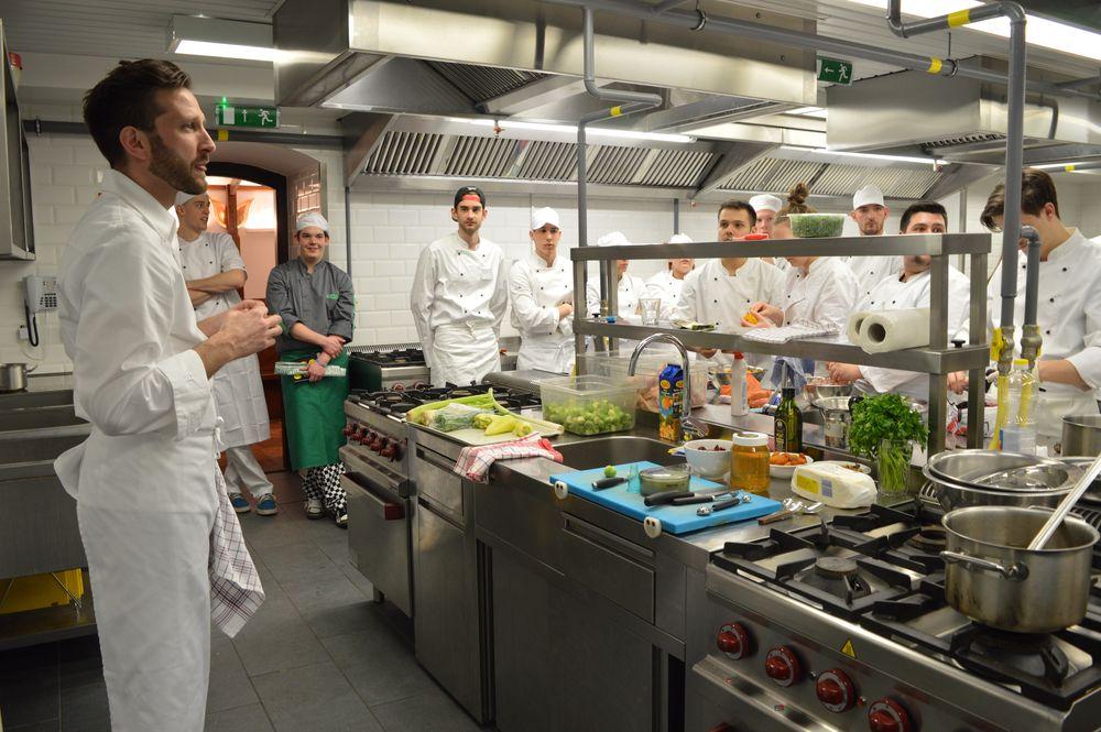 Cours de cuisine la fran aise l cole sup rieure des for Ecole superieure de cuisine francaise